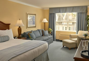 Guestroom at Hotel Rehoboth in Rehoboth Beach