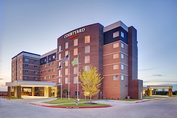 Featured Image at Courtyard by Marriott Dallas Carrollton in Carrollton