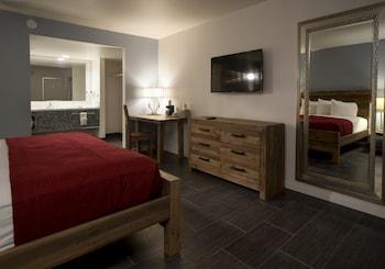 Guestroom at Thunderbird Hotel in Las Vegas