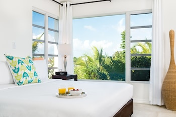 Hotel - The Oasis at Grace Bay