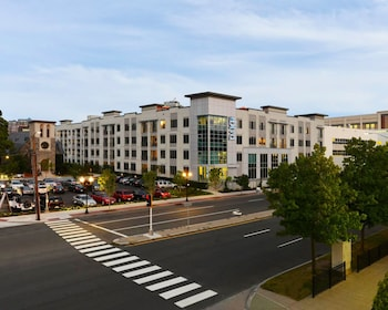 Global Luxury Suites at UCONN Downtown  Stamford photo