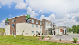 Holiday Inn Express & Suites Salem, an IHG Hotel