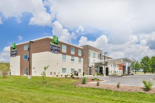 . Holiday Inn Express & Suites Salem, an IHG Hotel