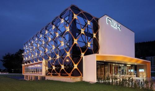 . Hotel Nox