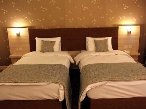 Parlak Resort Hotel, Kırıkhan