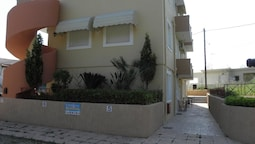 Karfas Sea Apartments