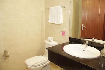 Hotel Victoria Garden - Bathroom  - #0