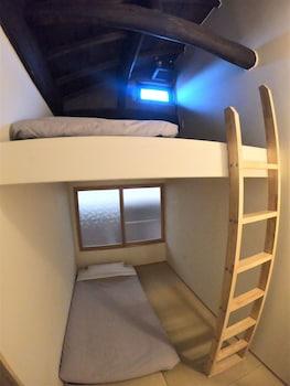 Double Room (102)