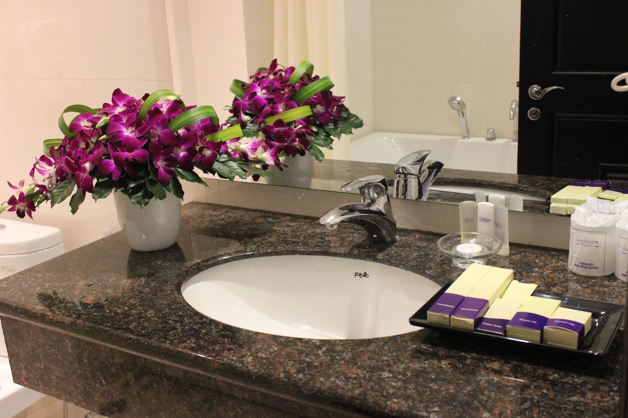 Lavender Hotel, Quận 1