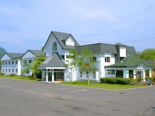 . Hotel Parkway
