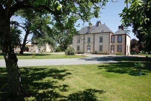 __{offers.Best_flights}__ Château de La Richerie