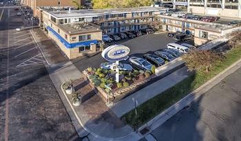 Hotel - Voyageur Lakewalk Inn