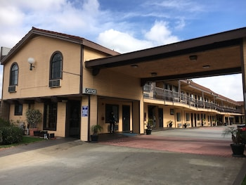 Hotel - Del Amo Inn