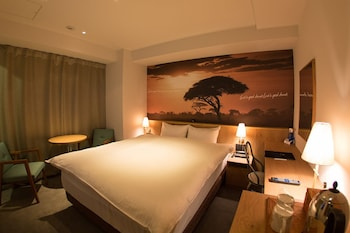 THE WALL HOTEL Room