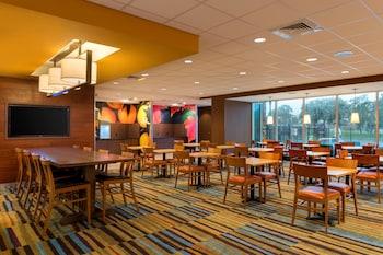 Lobby at Fairfield Inn & Suites by Marriott Orlando East/UCF Area in Orlando