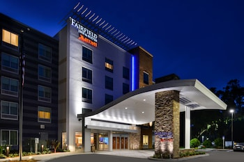 Exterior at Fairfield Inn & Suites by Marriott Orlando East/UCF Area in Orlando