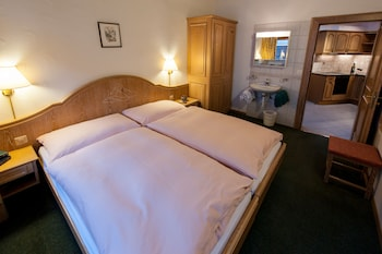 Standard Apartment, 2 Bedrooms, Mountain View, Corner ((25))