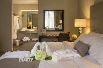 Guestroom at Magic Moment Resort and Kids Club in Kissimmee