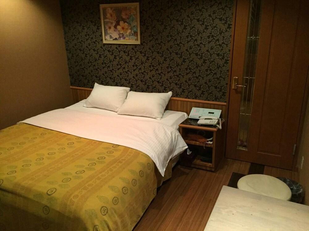 Hotel AURA Kansai Airport - Adults Only, Sennan