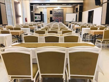 PRIME CITY RESORT HOTEL Meeting Facility