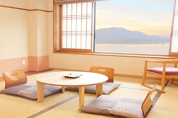 Japanese Style Room, Lake View
