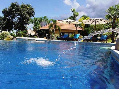 . Puri Mangga Sea View Resort & Spa