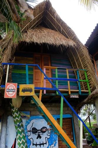 Dikaloha Medewi Surfcamp, Jembrana
