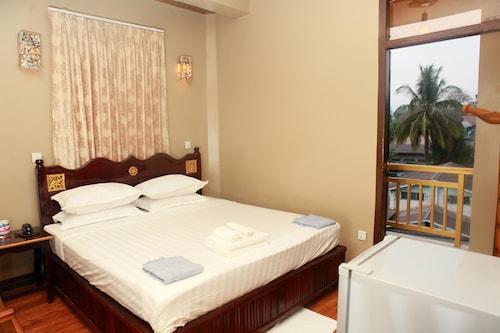 Hotel Glory, Kawkareik