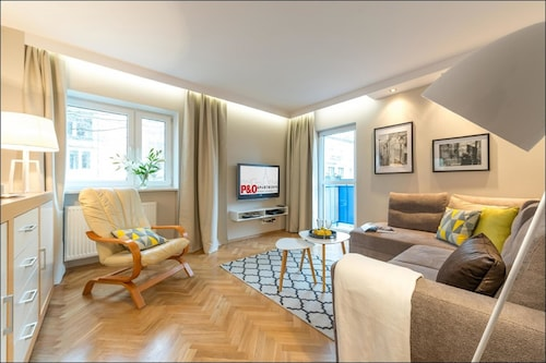 Warszawa - P&O Apartments City Center - z Katowic, 17 marca 2021, 3 noce