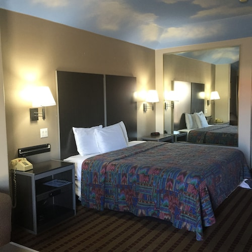 Camelot Inn & Suites Hobby/Gulf Freeway, Harris