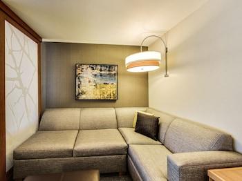 Room, Multiple Beds (2 Queen and Sofa Bed, High Floor)