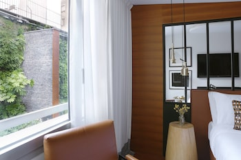 Room, 1 Queen Bed, Non Smoking, City View