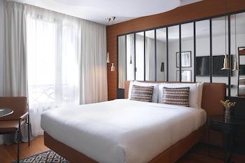 Room, 1 Queen Bed, Non Smoking (Paris Style Room)