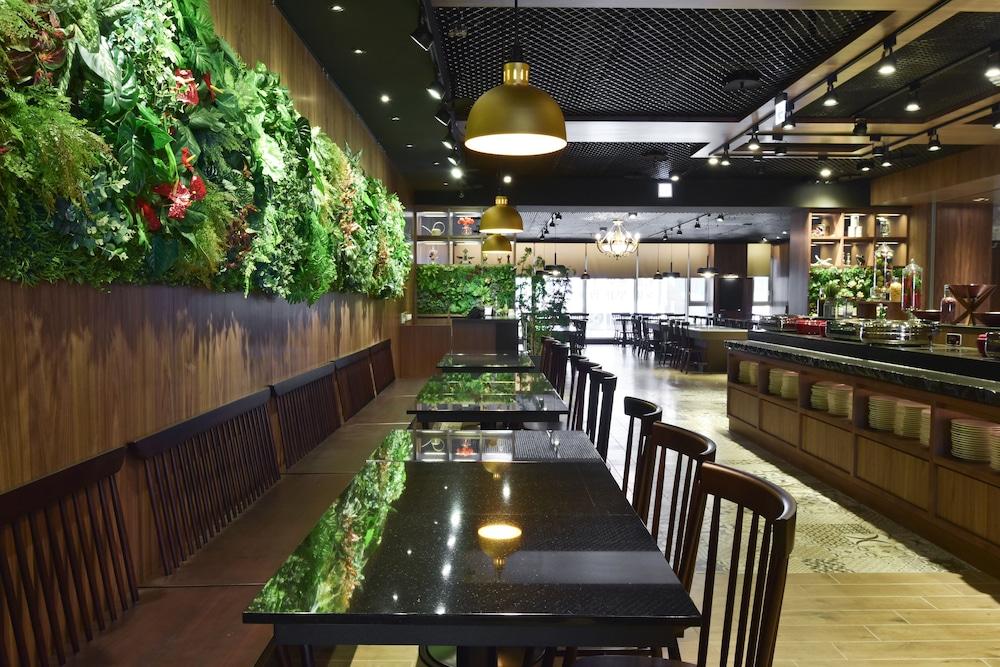 ジャスト スリープ高雄ステーション (捷絲旅 - 高雄站前館)