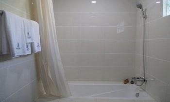 WH Hotel Thanlyin - Bathroom  - #0