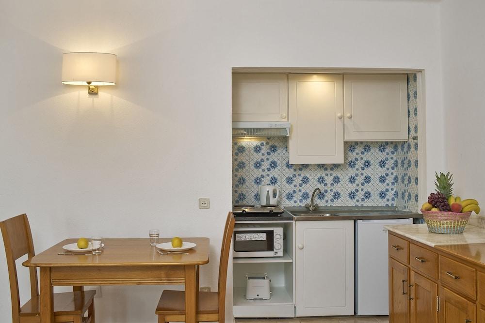 Cheerfulway Minichoro, In-Room Dining