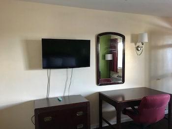 Regal Motel in Las Vegas, New Mexico - Guestroom  - #0