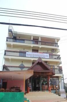 https://i.travelapi.com/hotels/14000000/13360000/13353800/13353768/77767835_b.jpg
