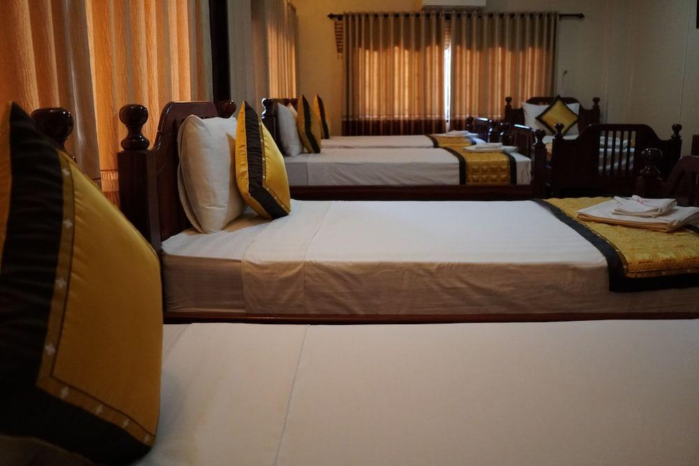https://i.travelapi.com/hotels/14000000/13360000/13353800/13353768/fbfe28c3_z.jpg