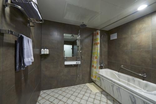 Benikea Premier Hotel Siheung, Siheung