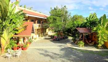 PANGLAO ISLAND FRANZEN RESIDENCES Property Grounds