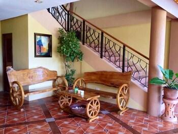 PANGLAO ISLAND FRANZEN RESIDENCES Lobby Sitting Area
