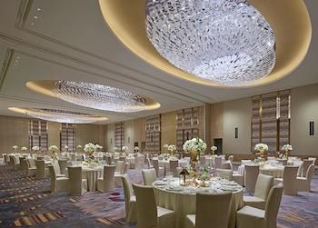 SHANGRI-LA AT THE FORT, MANILA Ballroom