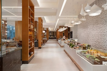 SHANGRI-LA AT THE FORT, MANILA Buffet