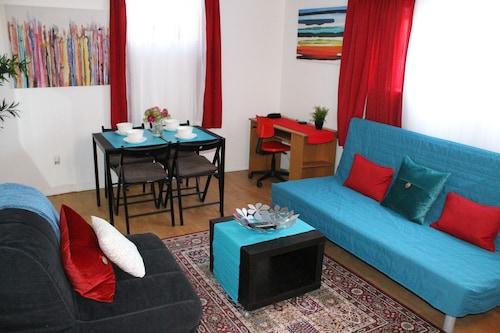 Adib Apartments - 150 Young St, Ottawa