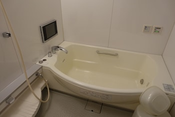 HOTEL LIBERAL -ADULTS ONLY Jetted Tub
