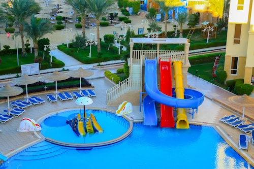 AMC Royal Hotel & Spa - All Inclusive, Al-Ghurdaqah