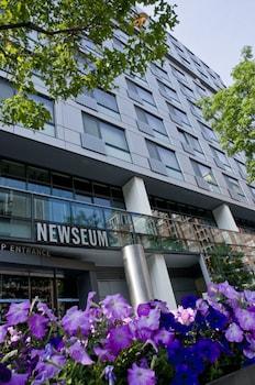 Bridgestreet at Newseum Residences