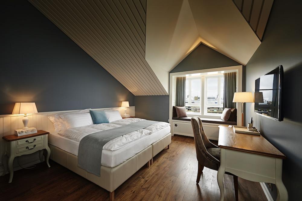 https://i.travelapi.com/hotels/14000000/13400000/13393200/13393188/821fa882_z.jpg