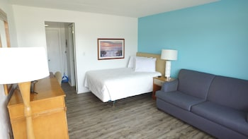 Guestroom at Midtown Inn in Myrtle Beach
